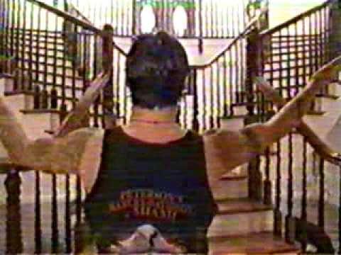 Sully Erna (Godsmack) on MTV Cribs ENG | http://pintubest.com