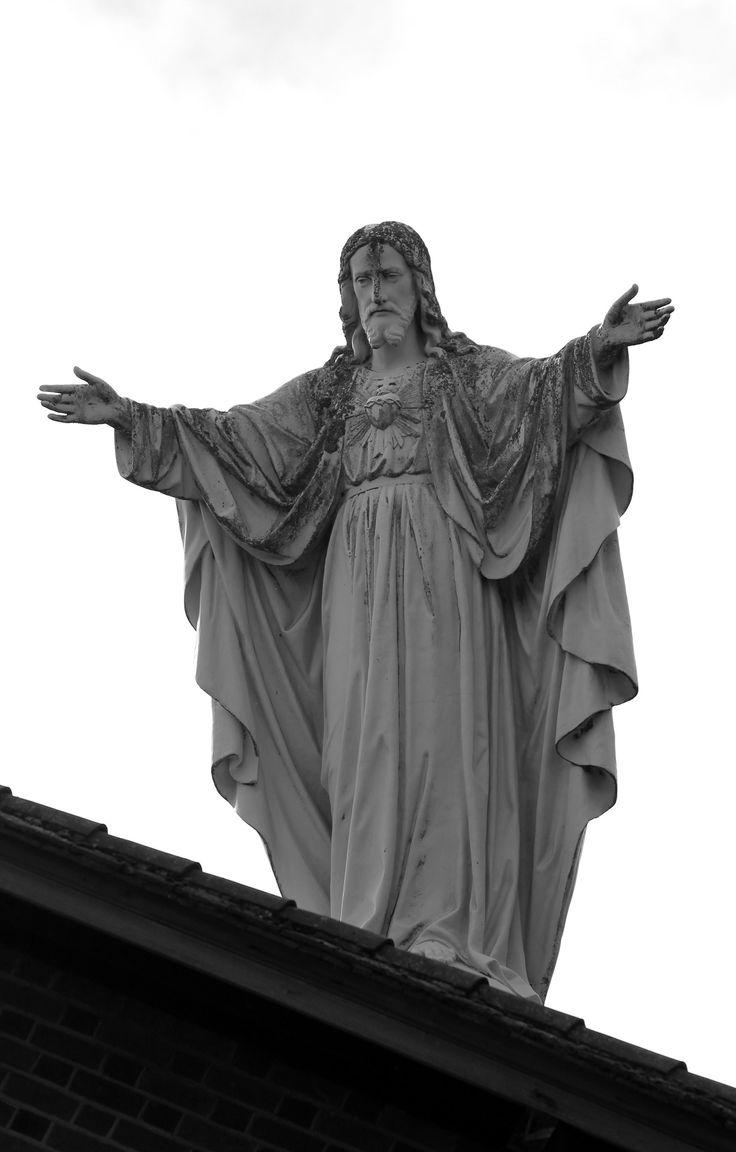 Jesus statue - Newbury, Berkshire