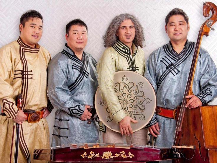 """La tradizione mongola incontra l'Oriente attraverso la fusione creativa di suoni esotici e giochi vocali straordinari. Sedaa in persiano significa """"voce"""", voci capaci di rapire completamente il pubblico, che non può che esplorare con tutti i sensi le trascinanti armonie degli strumenti tradizionali della Mongolia e percepire i vibranti canti """"overtone"""". Il suono dolce e […]"""