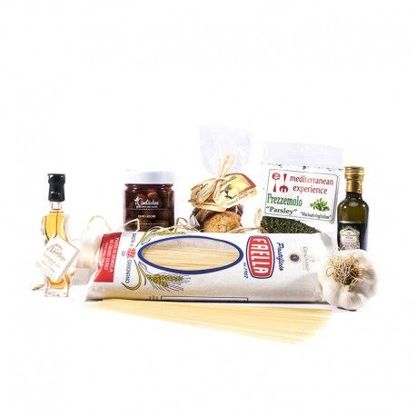 Exclusive foodbox for 4 people  Appetizer: Olive leccine  Pasta dish: spaghetti with anchovy colatura  Dessert: lemon cookies from the Amalfi Coast Receive our shopping bag and instructions for the preparation!