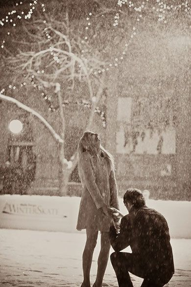 Proposal in the snow. Perfect