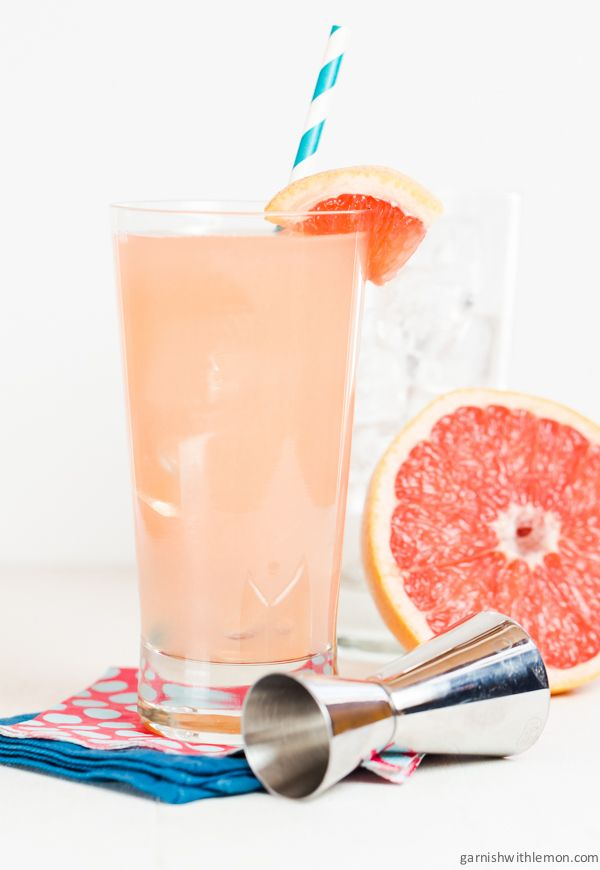 This Greyhound Cocktail is perfect for spring brunches! ~ http://www.garnishwithlemon.com