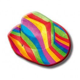 SOMBRERO ORGULLO LGBT.Fantástico sombrero de vaquero con los colores de la bandera del orgullo LGBT. Dispone de una cuerda para que lo puedas ajustar alrededor de tu cuello.