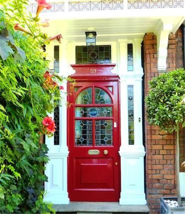 Absolutely love R E D front doors! And the style is beautiful also