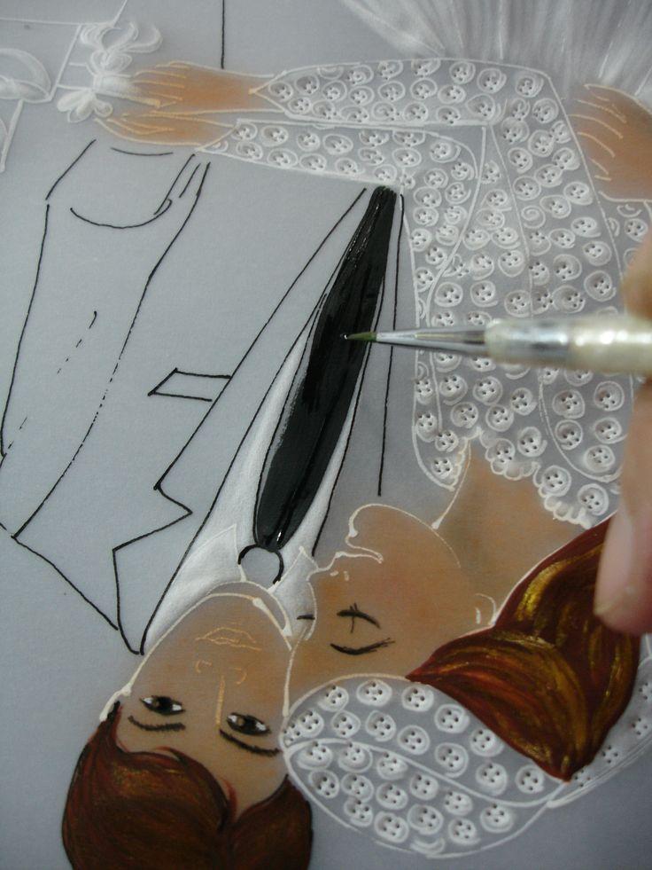pintando la corbata con acrilico