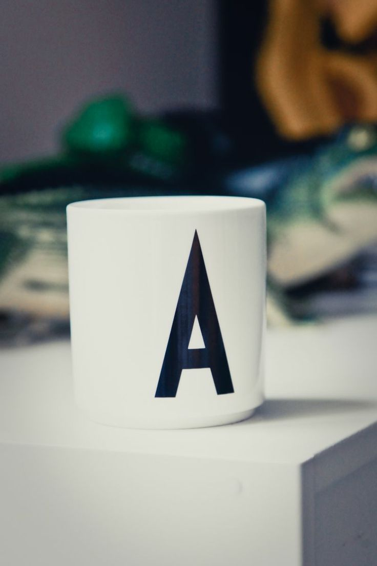 Arne Jacobson - letter cup