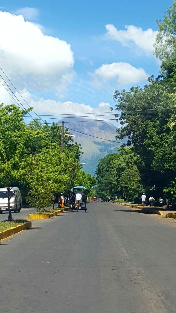 Vista del Volcán San Cristóbal en la cuidad Chichigalpa, Chinandega, Nic