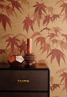 Het Britse verf- en behangmerk Zoffany komt met een nieuwe collectie verfkleuren, stoffen en behang. Verfijnde kleuren tegen de wand of aaibaar zachte muren en meubels, er is voor ieder wat wils.