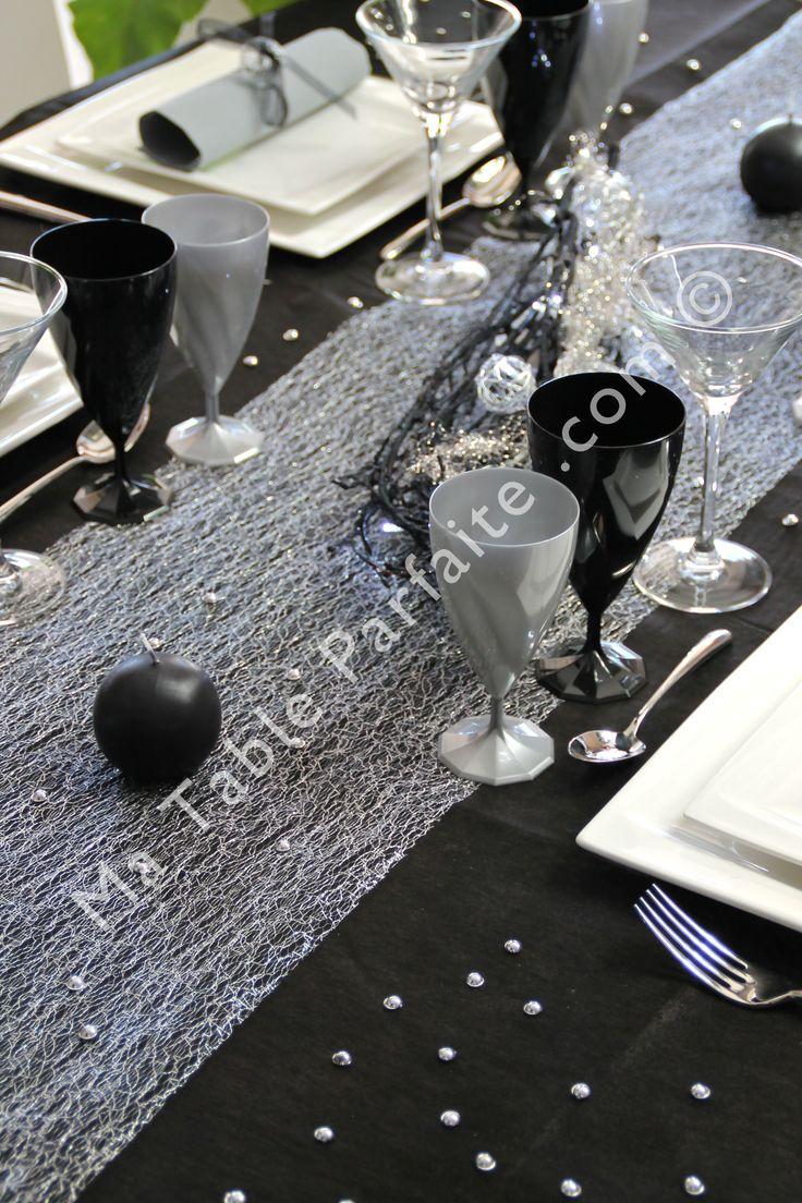 Ambiance soir e chic pour le chemin de table cabaret de la for Ambiance et decoration