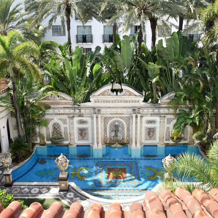 You Can Spend the Night in Versace's Super-Luxe Former Mansion in South Beach