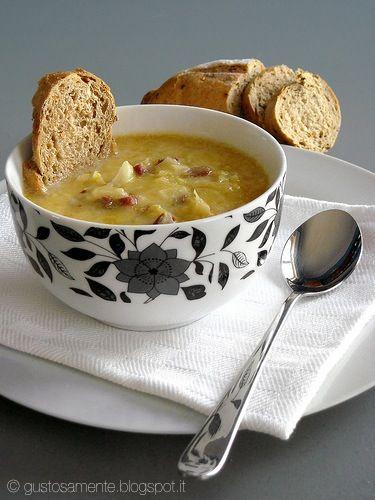 Cabbage and bacon soup | http://gustosamente.blogspot.it/2009/02/zuppa-di-cavolo-cappuccio-e-pancetta.html
