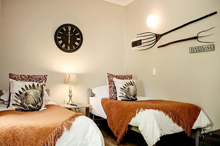 Karoo-tema regdeur die huis
