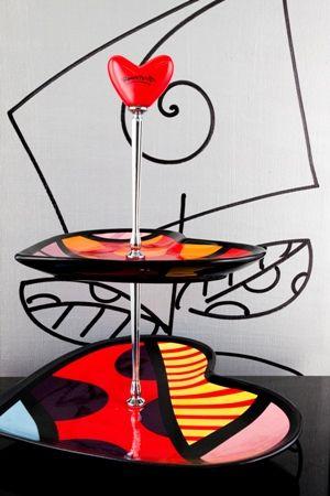 Utensilio... Heart 2 Tier. Cake and dessert plate. Romero Britto. ♥