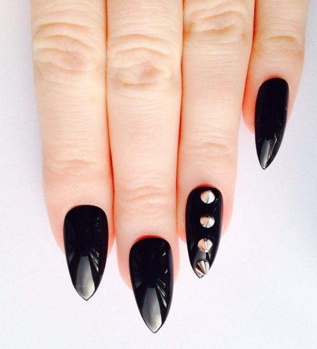 Gotycki manicure - super pomysły na czarne paznokcie - Strona 10