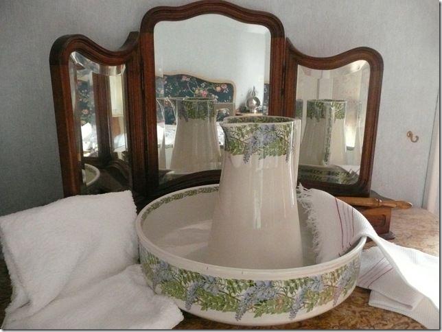 Les 24 meilleures images du tableau toilette l 39 ancienne for Vasque ancienne en porcelaine