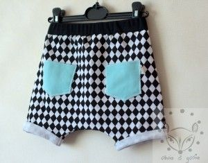 Krótkie spodenki dresowe w czarno - białe romby.  95% bawełna 5% elastan  dzianina dresowa czarno - biała
