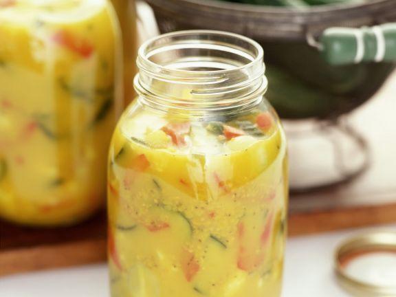 Pikantes Senf-Gurken-Relish ist ein Rezept mit frischen Zutaten aus der Kategorie Relish. Probieren Sie dieses und weitere Rezepte von EAT SMARTER!