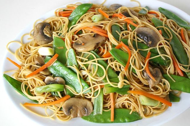 Asian Spaghetti with Mushrooms, Snow Peas, Garlic. Great as a cold lunch too!