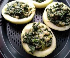 Mit Spinat gefüllte Kohlrabi mit Sauce (all in one)