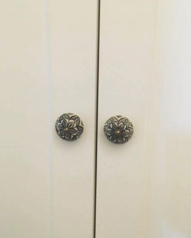 Najlepszy uchwyt do drzwi w stylu skandynawskim znajdziecie w zara home. #uchwyt #drzwi #wardrobe #meble #furniture #zarahome #ciekawostka #home #dom #mieszkanie #flat #style #skandynawskistyl #instasize #warsaw