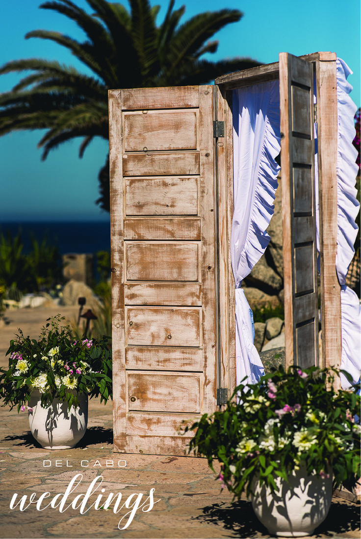 Hipster wedding ideas! Unique décor for your ceremony in beautiful Cabo! Visit our board and check out more inspiring idea for your shabby chic wedding in Cabo San Lucas!