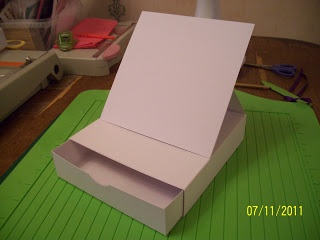 Tutorial: Easel Card On A Box With Drawer   - Tracy's Krafts blog