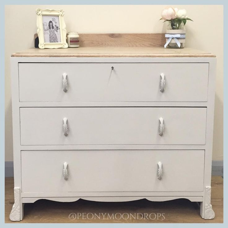 1939 Vintage Bedroom Dresser Drawers painted with Pure & Original Classico Chalk Paint in Bone, handles have been painted and distressed & top has been sanded and white washed