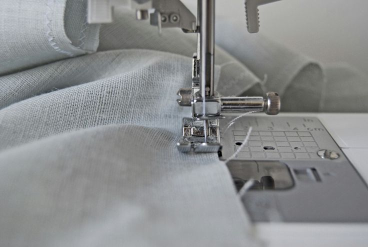 Linen and my trusty sewing machine, a good combination.