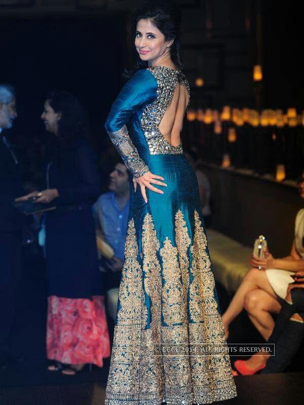 108 kuratierte wedding-ideen von simrankgill | sari, indische, Hause ideen