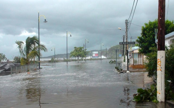 According to Meteo France Martinique, 2011 was the wettest year since the implementation of measures from the mid-1900s. Indeed, it is no less than 2989 millimeters of rain were collected at Station Lamentin airport.