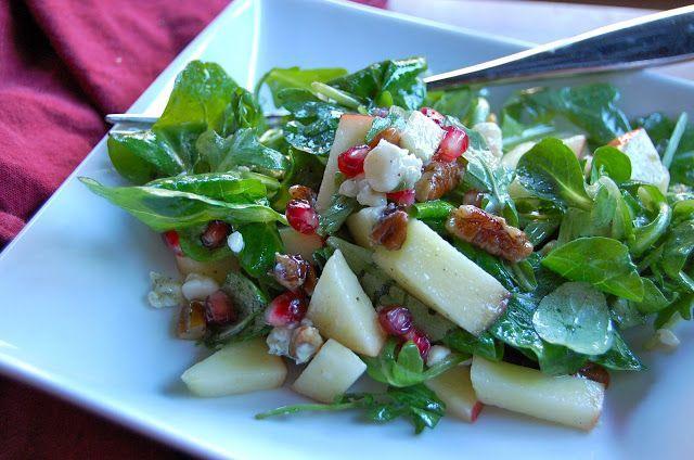 Σαλάτα με ανάμικτα λαχανικά, μήλα, ρόδι