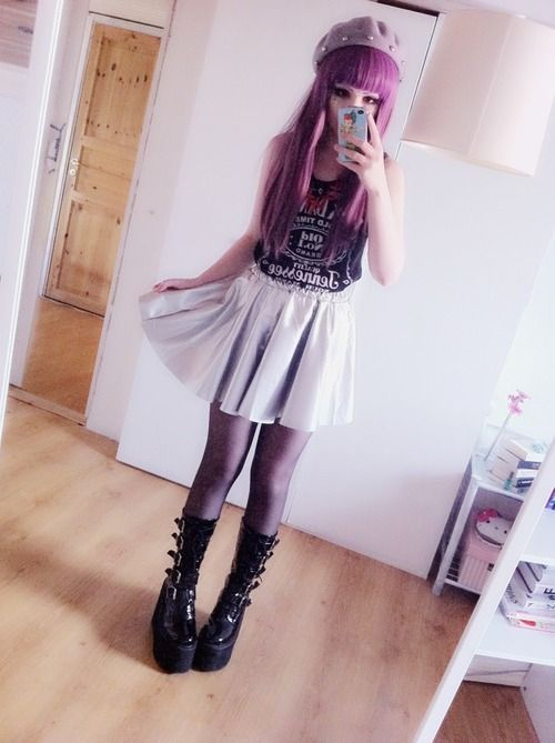 I love pastel goth so much. its adorable ^.^ like anime and goth combined x