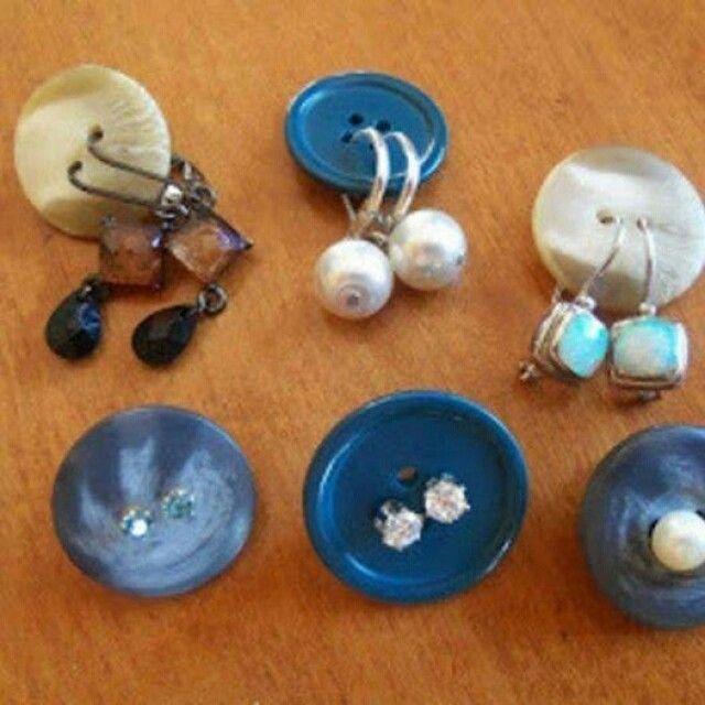 ideiasdiferentes: Botão para organização dos brincos. www.ideiasdiferentes.com.br