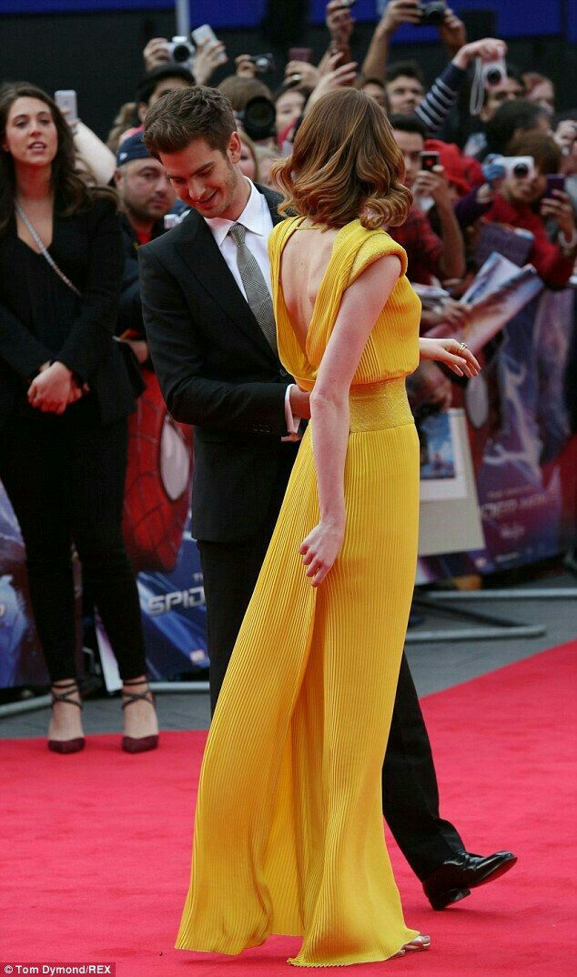 Is andrew garfield dating emma stone