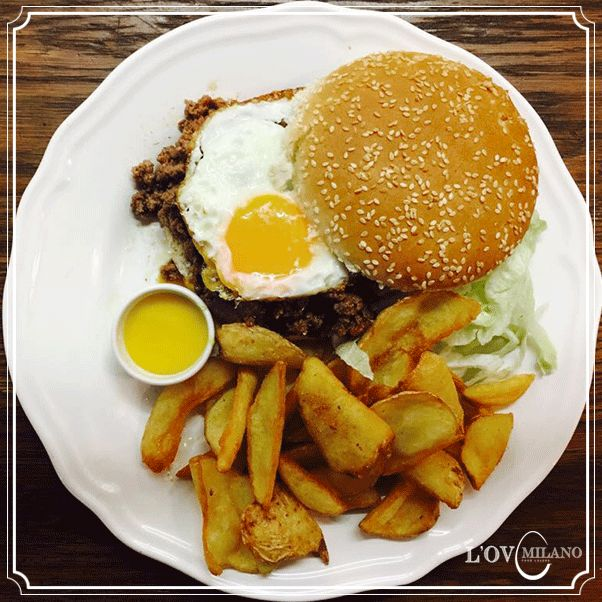 L'Ov Burger, hamburger, eggs