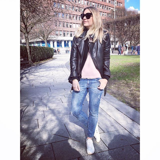 Springtime in Oslo is something quite special. Great Saturday with my sweet girl Ella Victoria and @tuvakw in the sun #spring #oslo #leatherjacket #denim #fashionblogger