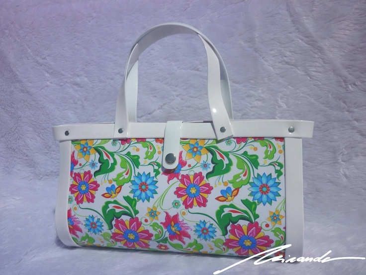 A #flowered #white #bag