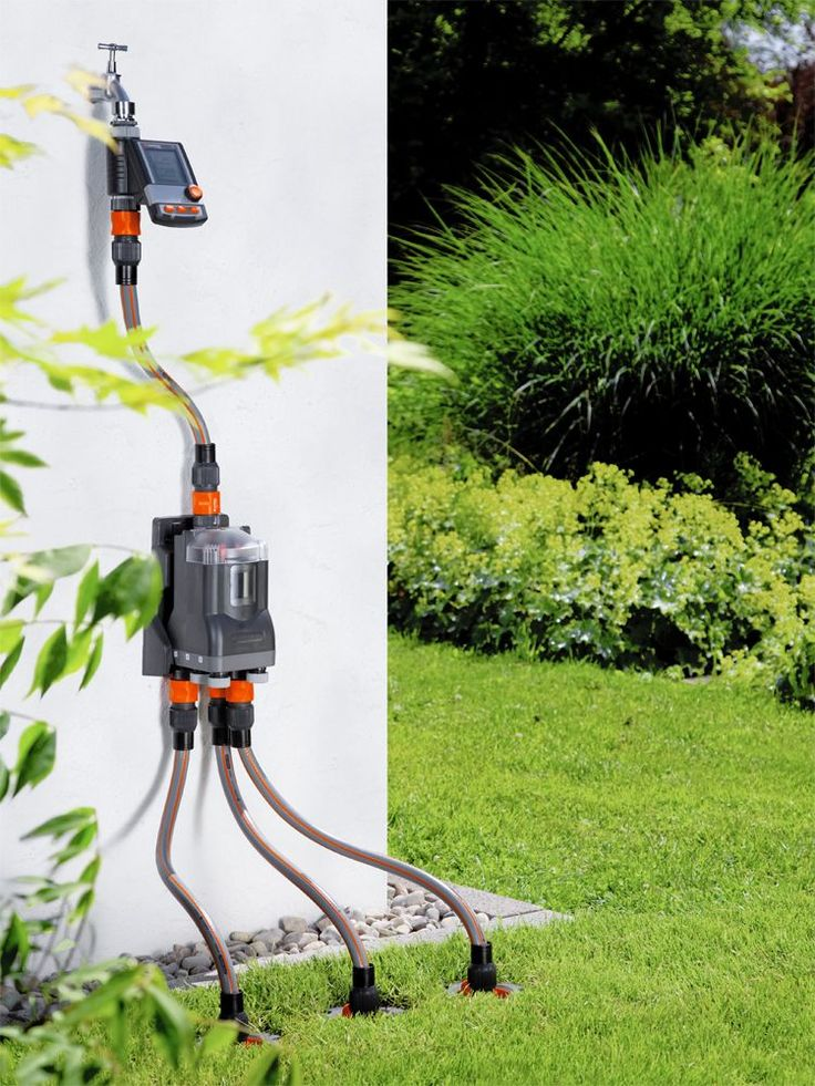 Wenn die Sommersonne es zu gut meint, hilft kein Regentanz. Aber schließlich gibt es für durstigen Rasen, Gemüsepflanzen und Blumen Sprinkler und Bewässerungsanlagen. Groß oder klein, quadratisch oder asymmetrisch: Aktuelle Modelle versorgen jede Fläche. Das geht sogar automatisch, spart Zeit – und vor allem Wasser.