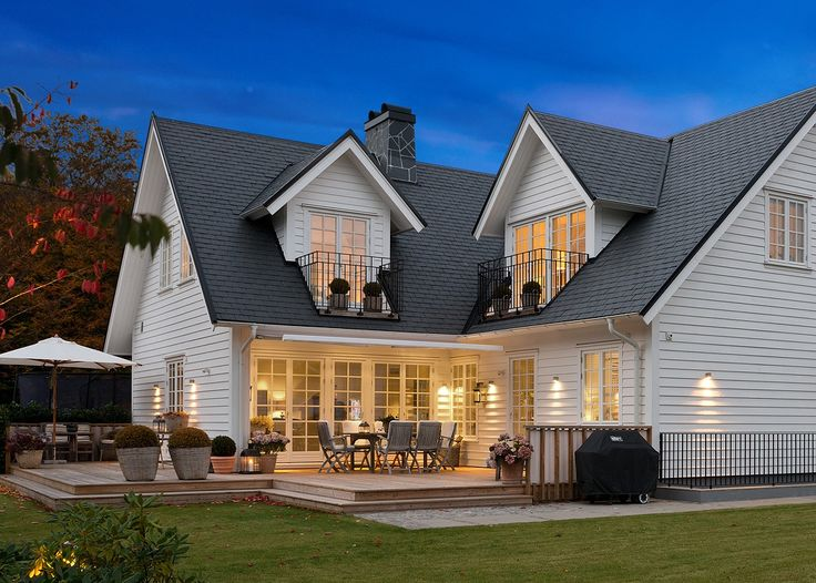Pin by Mary Ann O'Malley on Hooked on Houses | House architecture styles, New england style ...