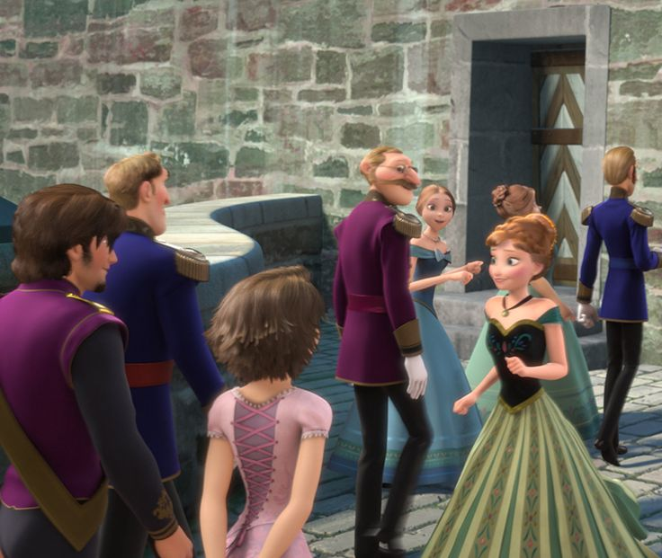 Rapunzel and Flynn in Frozen!! Apparently, Rapunzel's mom and Elsa and Ana's mom are sisters! So they are cousins!
