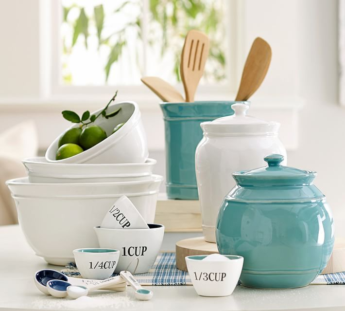 Get your kitchen fully stocked and ready for cooking with these ceramic storage canisters and retro-style measuring cups.