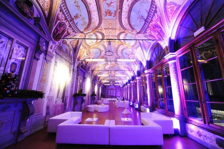 Villa Corsini - Galleria Pandolfo - lounge area - #galateoricevimenti #almaproject - Alma Project Lighting