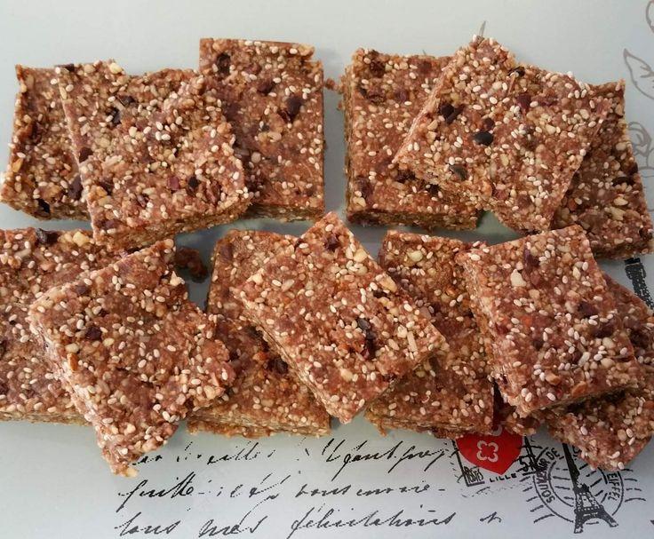Raw Chocolate Crackle Slice (from 28 by Sam Wood) by selbel4 on www.recipecommunity.com.au