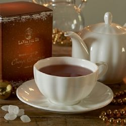 Rooibos (South Africa) with fruity notes. Orange Christmas Christmas blend for the entire family. #winter #christmastime #merrychristmas #christmasiscoming #christmastree #regali #newyear #natale #feste #auguri #giftideas #gift