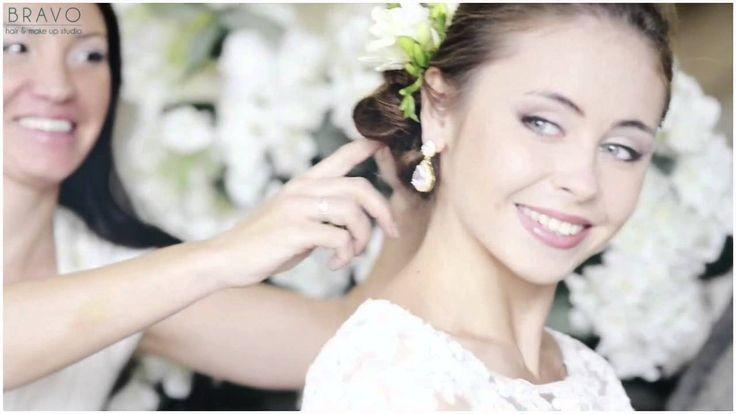 """Смотрите наше новое видео с совместного проекта """"Коллекция свадебных образов Wedding-Queens 2014""""!!!  Шикарные прически, мейк-ап, великолепные платья и свадебная бижутерия от ARAMMU!"""