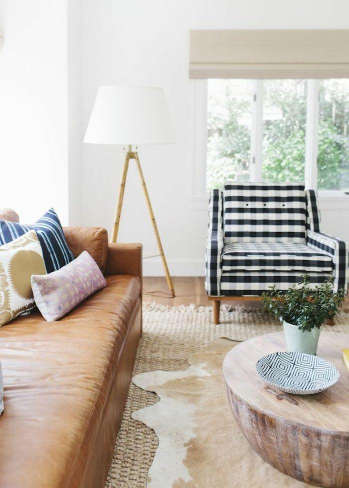 teppich verlegen wohnzimmer einrichten mit dekokissen dekorieren