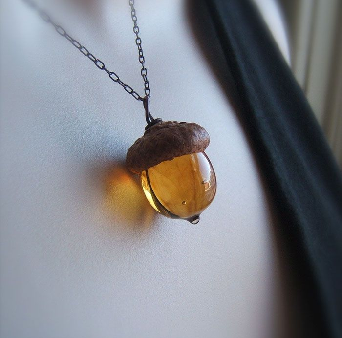 These Glass Acorn Pendants Made With Real Acorn Caps Are The Perfect Autumn Accessory   Bored Panda