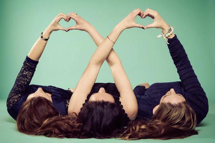 True friends are never apart maybe in distance but never in  - #project365 #day83 #photochallenge #friends #friendship #vriendinnen #hearts #women #womenpower #verjaardagskado #verjaardag #fotoshoot #foto #fotografie #vriendinnenshoot #fotostudio #fotograaf #dk_photography #dordrecht #dordrechtcentrum #geefjeookop #lovechallenge #MAKELOVENOTWALLS