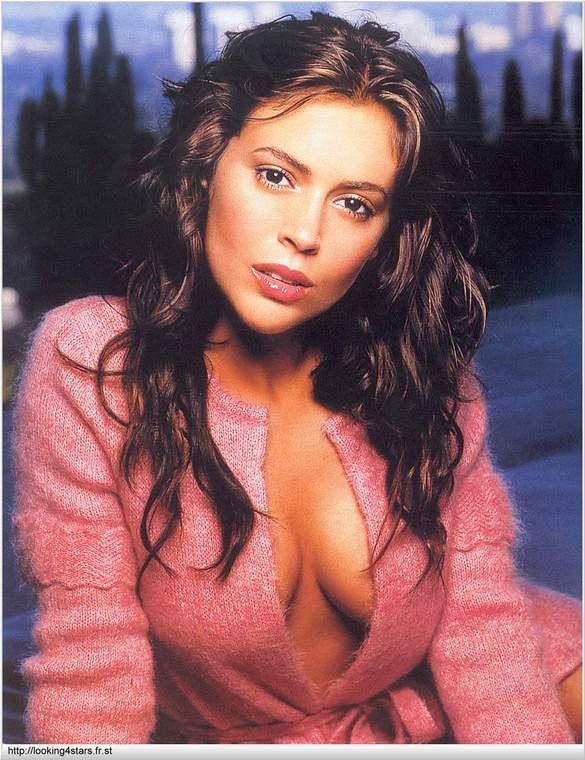 Alyssa_Milano-young-soft-lovely-chicki-chickipedia-eyes