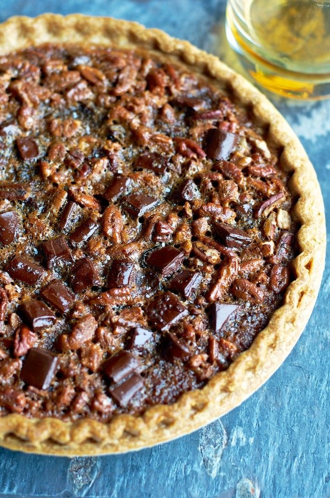 chocolate bourbon pecan pie. I had a version of this at a pie shop in Portland, but it had a chocolate crust.: Bourbon Chocolate Pecan Pie, Sweet, Chocolates, Chocolate Pecan Pies, Chocolate Bourbon, Food, Pie Recipes, Pecans
